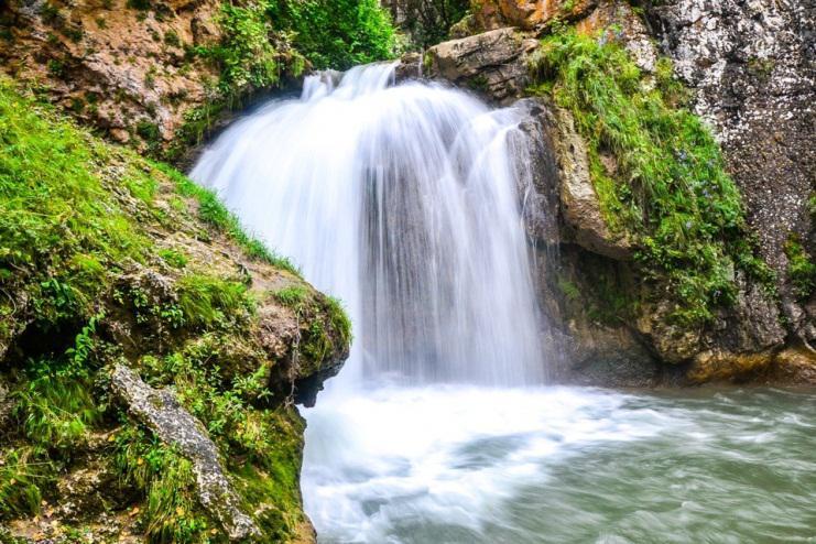 Honey Waterfalls.